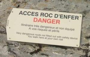 Dangerous walk on Roc d'Enfer