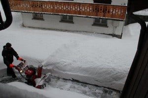 snow blower in les gets